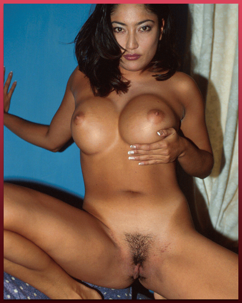 Horny Asian Cougars Online